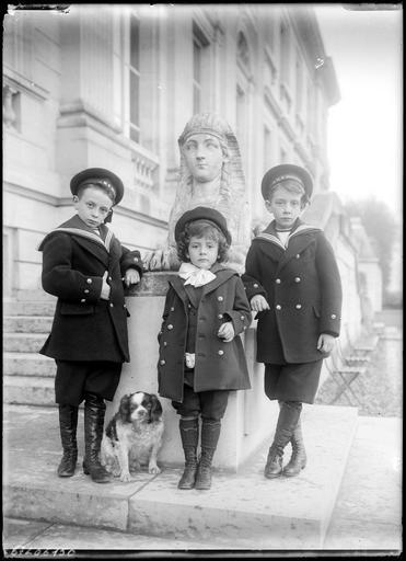 Boniface, Jason et Gorges de Castellane (de gauche à droite), fils de Boniface de Castellane et Anna Gould