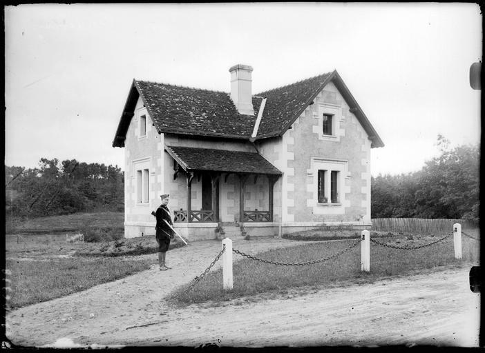 Pavillon de chasse et chasseur