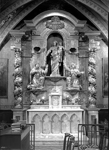 Retable en bois sculpté et doré avec trois statues, La Vierge à l'Enfant, saint Dominique et sainte Catherine de Sienne