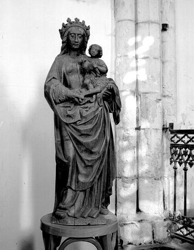 Statue en bois de la Vierge à l'Enfant