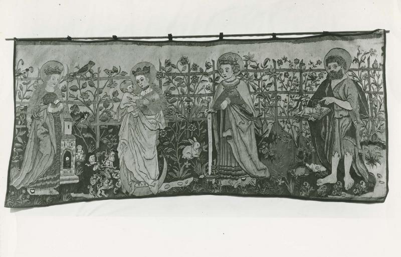 10 pièces murales : Annonciation, Crucifixion, Madone au Jardinet avec saint Jean-Baptiste sainte Catherine sainte Barbe, Jugement de Salomon, voile eucharistique, la chasse des hommes sauvages, lamentation d'un vieillard, Mise au tombeau, le trône de grâce