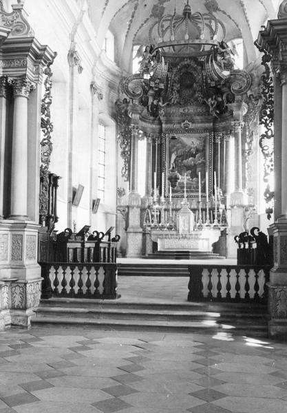 Autel, retable, 3 tableaux : Notre-Dame du Mont Carmel remettant au bienheureux Simon stock le scapulaire, Adoration des Mages, Apothéose de saint Maurice (maître-autel dit de saint Maurice)