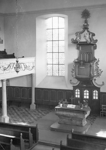 autel protestant, chaire pastorale