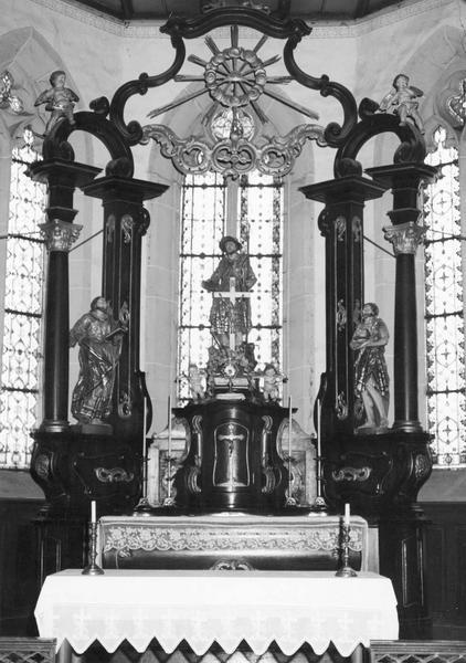 autel, tabernacle, baldaquin, statues (7) (maître-autel) : saint Wendelin, saint Jean-Baptiste, saint Urbain, putti (4)