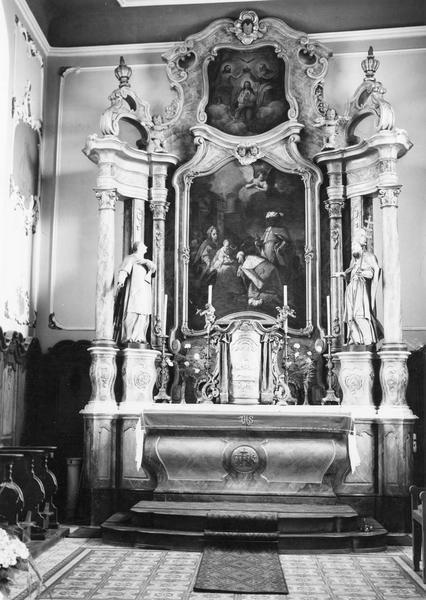autel, tabernacle, retable, tableaux (2), statues (2) (maître-autel, autel tombeau, retable architecturé, petite nature) : Couronnement de la Vierge (le), Adoration des Mages, saint Vincent, saint Urbain
