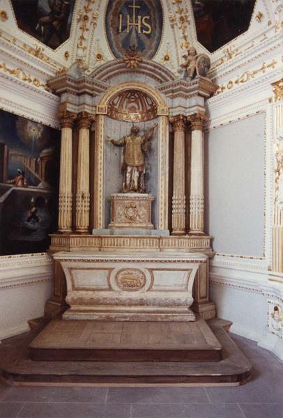 Autel, retable, statue : saint Ignace de Loyola vue d'ensemble