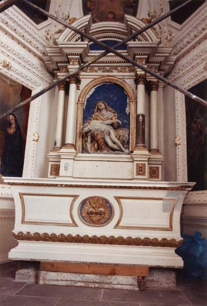 autel, retable, groupe sculpté : Vierge de Pitié