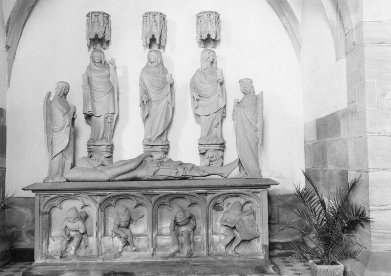 groupe sculpté : saint sépulcre