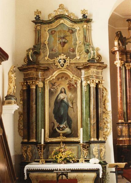 Autel, retable, 2 tableaux : Immaculée Conception, Coeur ardent et roses (autel secondaire)