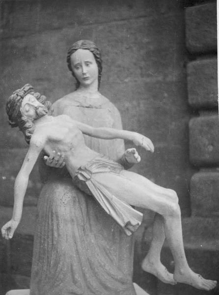 groupe sculpté (petite nature) : Vierge de Pitié