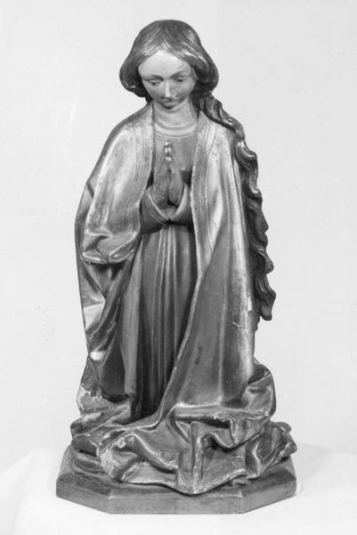 Statue (statuette) : Vierge agenouillée