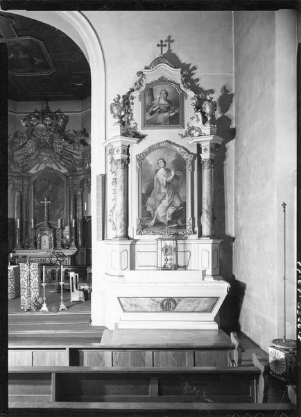 autels (2), retables (2), tableaux (4) (autels secondaires) : Vierge à l' Enfant, Education de la Vierge (l'), sainte Catherine, sainte Barbe