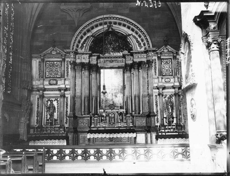 autel, tabernacle, retable, tableau, statues (2) : martyre de saint Laurent (le), Vierge à l'Enfant, saint Joseph