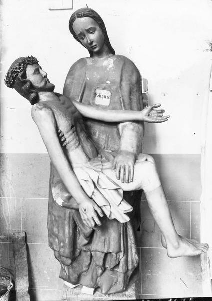 groupe sculpté : Vierge de Pitié dite Vierge noire