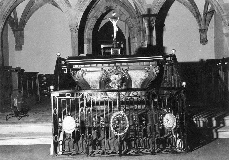 Autel, clôture d' autel