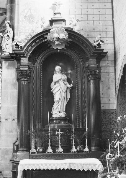 Autel, retable, statue : Immaculée Conception
