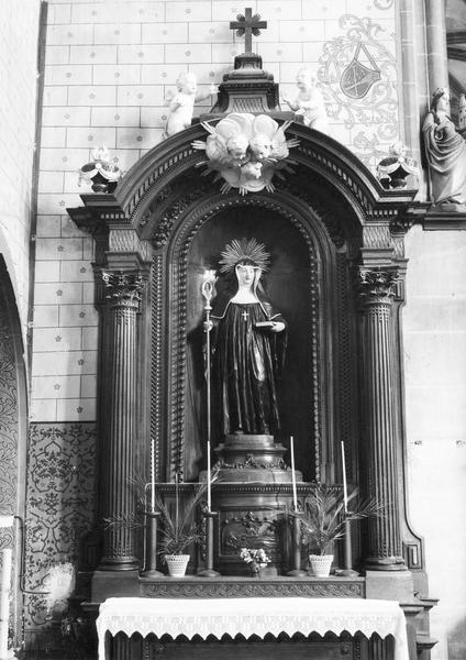 autel, tabernacle, retable, statue : sainte Walburge