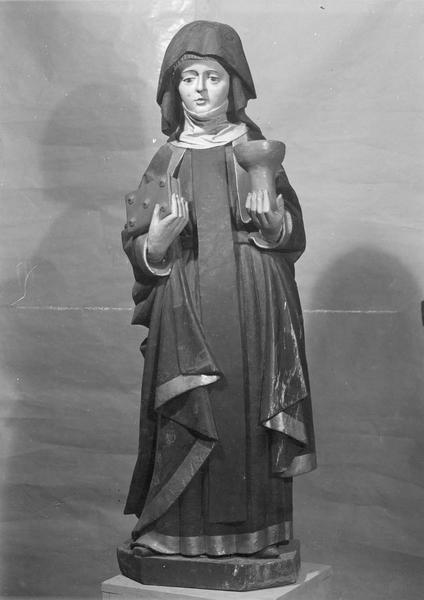 statue : Sainte Walburge