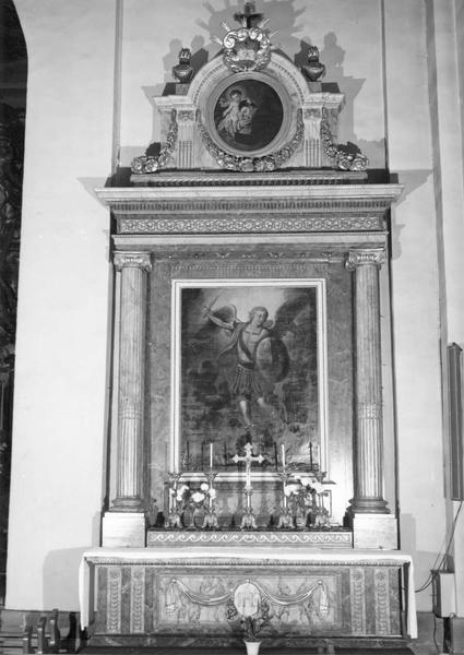 autel, retable, tableaux (2) (autel secondaire) : Saint Michel combattant le dragon