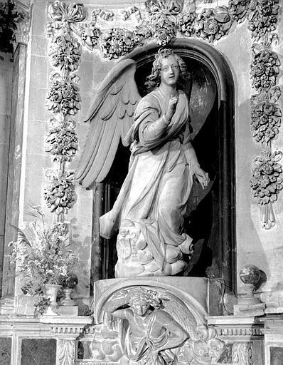 Ange Gabriel de l'Annonciation, statue en marbre