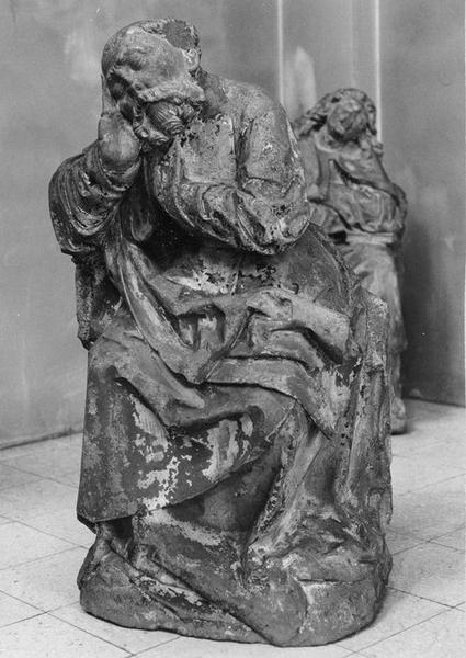 statue : saint Pierre (?) au jardin des Oliviers, vue générale