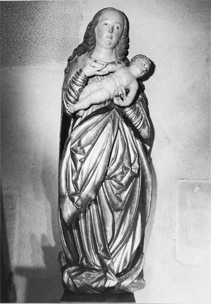 haut-relief : Vierge à l'Enfant, vue générale