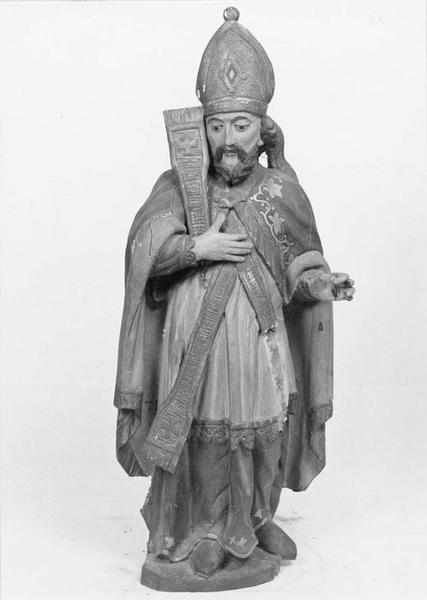 Statue : évêque non identifié, vue générale