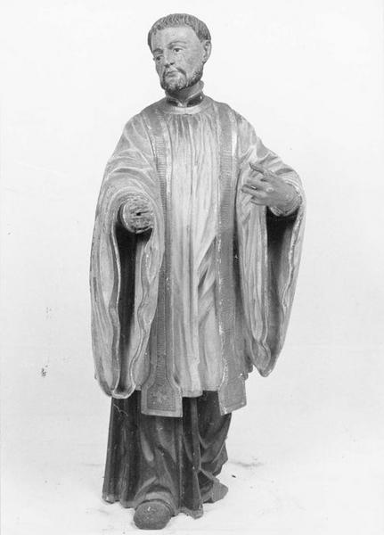 statue : religieux prêcheur ou un saint jésuite, vue générale