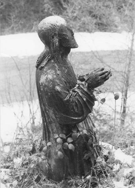 statue : Christ en prière au mont des Oliviers, vue générale