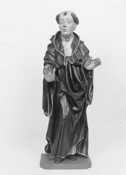 statue : moine, vue générale