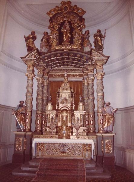autel, retable, statues (maître-autel) : Christ (le), personnages de l'ancien testament, docteurs de l'église, saint Maurice, saint Théodule, saint Pierre, saint Paul, Vierge à l'Enfant, deux bergers, vue générale