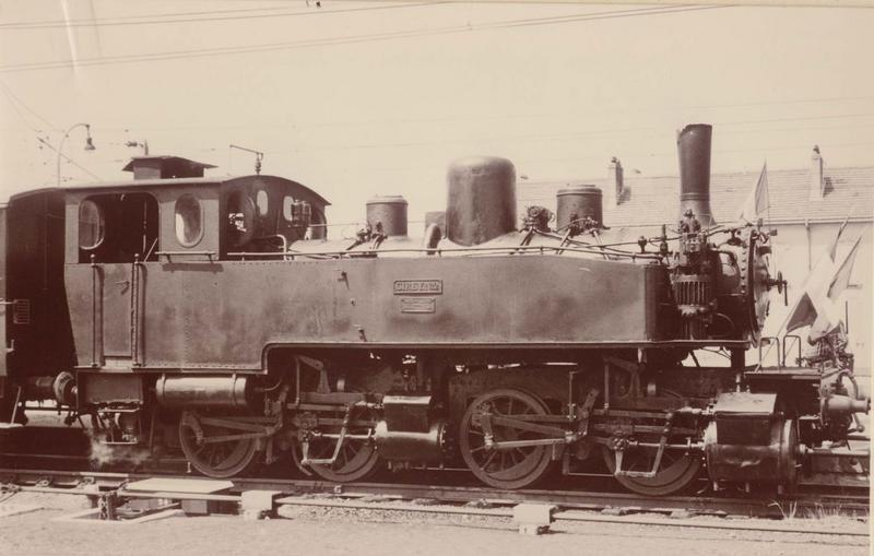locomotive à vapeur : locomotive-tender Henschel, à voie normale, 020 020 T 2, vue générale
