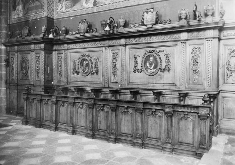 lambris de revêtement, stalles (16), peintures (6) : saint Benoît de Nursie, saint Grégoire le Grand, saint Augustin ou saint Ambroise de Milan, saint Paul de Tarse, David, Moïse, vue partielle