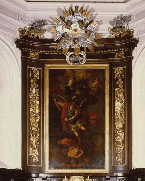 Retable du maître-autel : Saint Michel précipitant les anges en enfer, tableau : Saint Michel