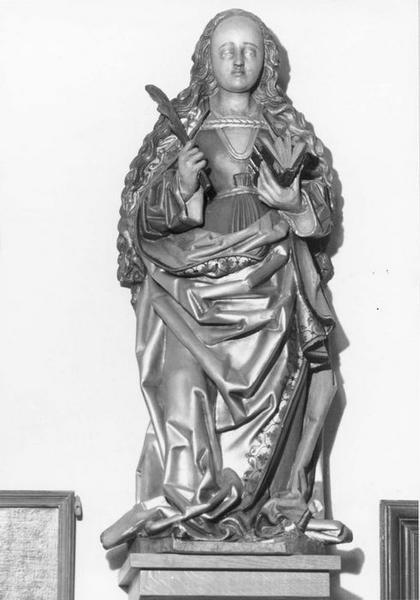 statue : sainte martyre, vue générale