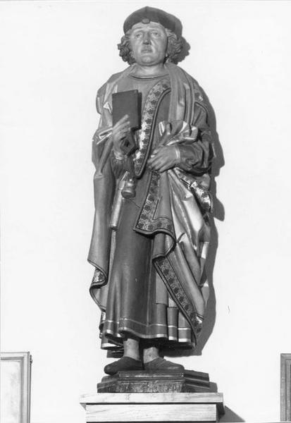 statue : saint portant des attributs d'écrivain, vue générale