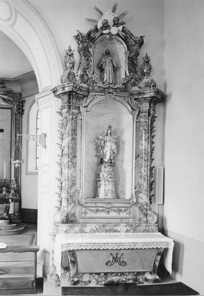 autel, retable, statues (2) : Immaculée Conception, saint François d' Assise, de la Vierge, vue générale