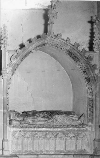 monument sépulcral, enfeu, statue (gisant), du comte Eberhard, vue générale