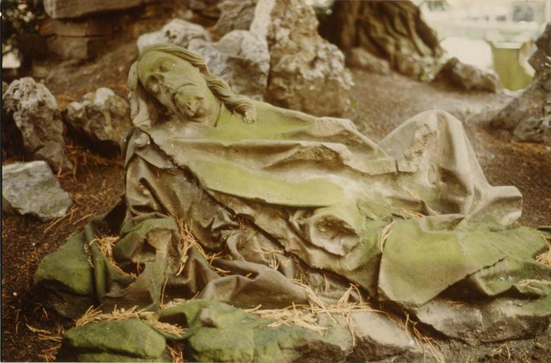 statue: un apôtre endormi, mont des Oliviers, vue générale