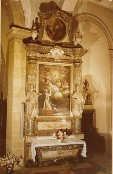 autel, retable, tableaux (2), statues (2) : sainte Hélène, saint Antoine et l' Enfant Jésus, saint Urbain, saint Léon IX, de sainte Hélène, vue générale