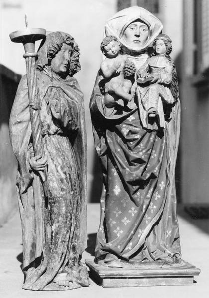 groupe sculpté : sainte Anne, la Vierge et l'enfant, vue générale; statuette: ange céroféraire, vue générale