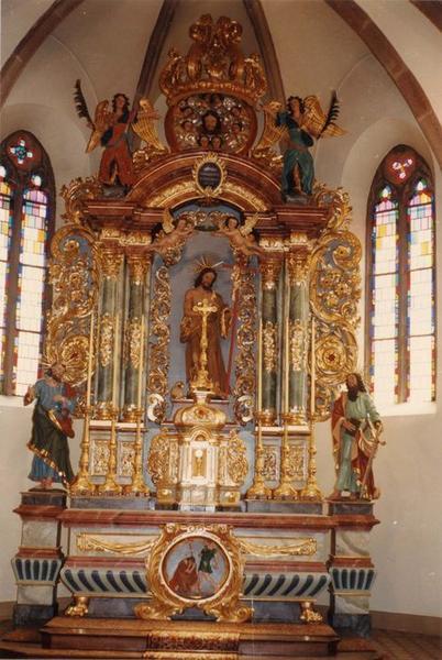 Autel, tabernacle, retable, bas-relief, 5 statues : saint Jean-Baptiste, saint Pierre, saint Paul, chef de saint Jean-Baptiste, deux anges (maître-autel)