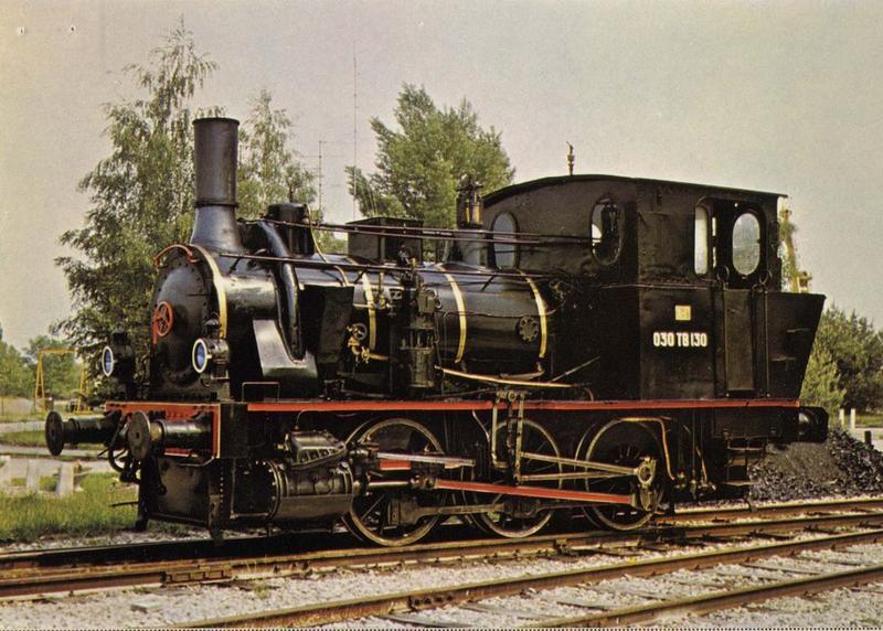 locomotive à vapeur : locomotive-tender SACM, à voie normale, 030 TB 130, vue générale