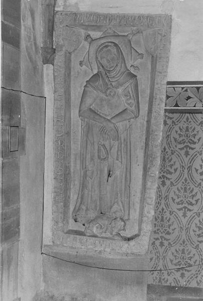 dalle funéraire d'Anne épouse du chevalier Rodolphe de Wattwiller