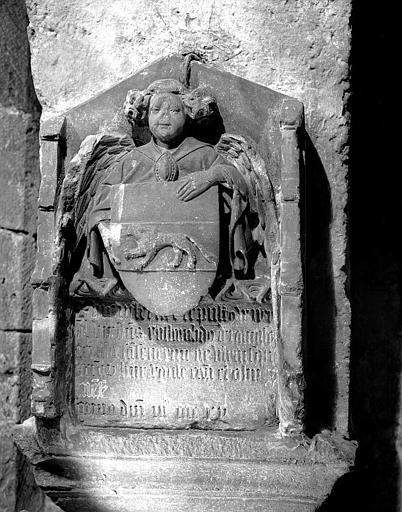 Monument funéraire de Rostaing de Ramefort