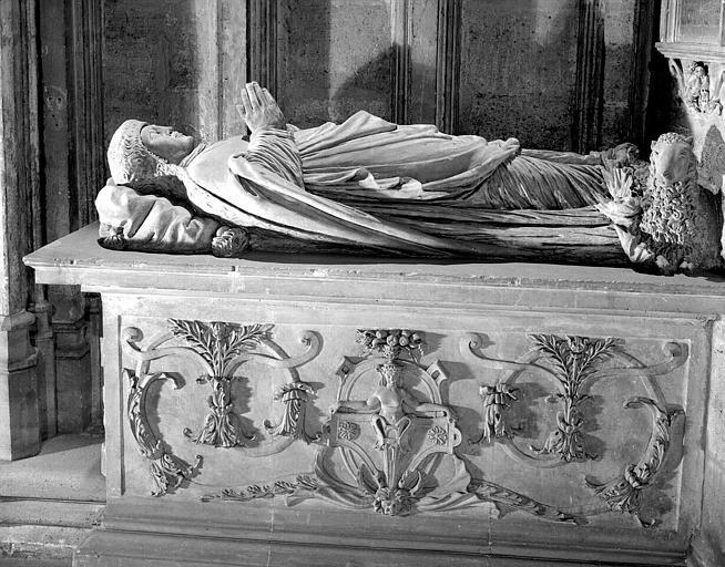 Tombeau de Guillaume de Lana, doyen de Saint-Seurin