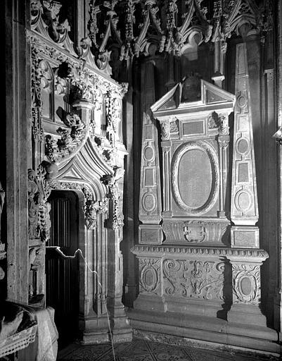 Tombeau d'Ogier Hunauld de Lanta, doyen de Saint-Seurin