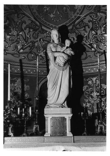 Statue: Vierge à l'Enfant, marbre sculpté