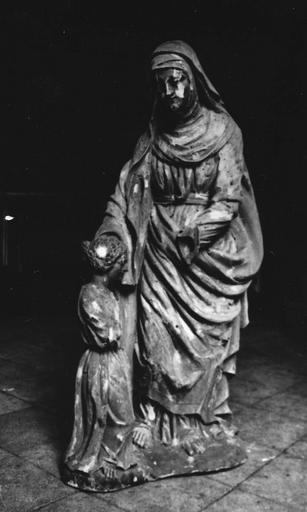 Groupe sculpté : L'Education de la Vierge, partiellement mutilé, tilleul sculpté