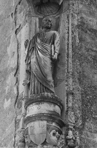Statue : Saint Pierre, pierre sculptée